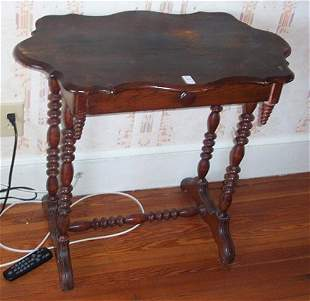 VICTORIAN STAINED PINE SIDE TABLE Late 1