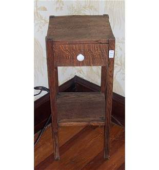 SMALL ARTS AND CRAFTS OAK SIDE TABLE C 1