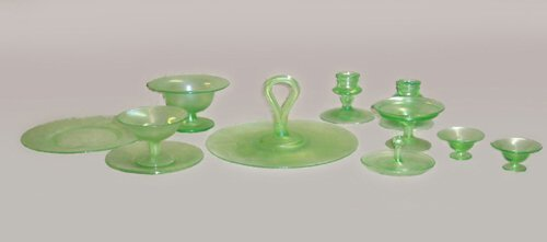 18: SET OF AMERICAN STRETCH GLASS  Pressed &