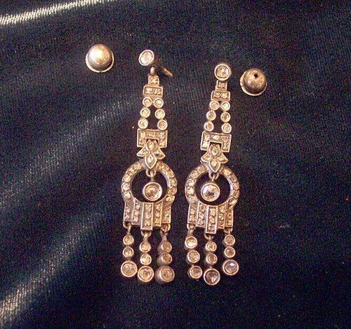306A: PAIR DIAMOND & PLATINUM DROP EARRING