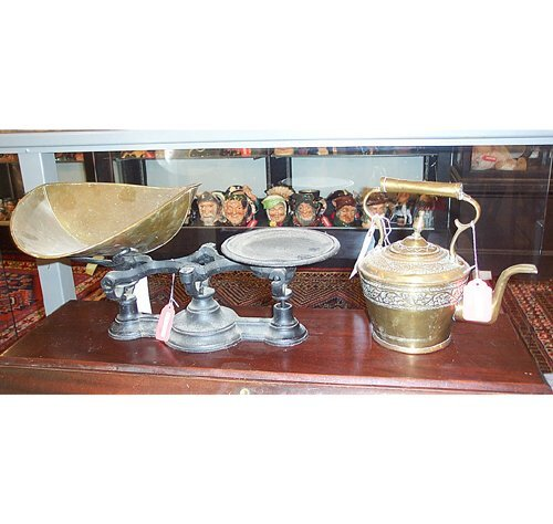 2351: IRON & BRASS GROCERY SCALE