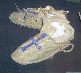 PAIR OF CHILD'S BEADED MOCCASINS