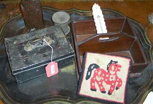 GROUP OF HOUSEHOLD ITEMS