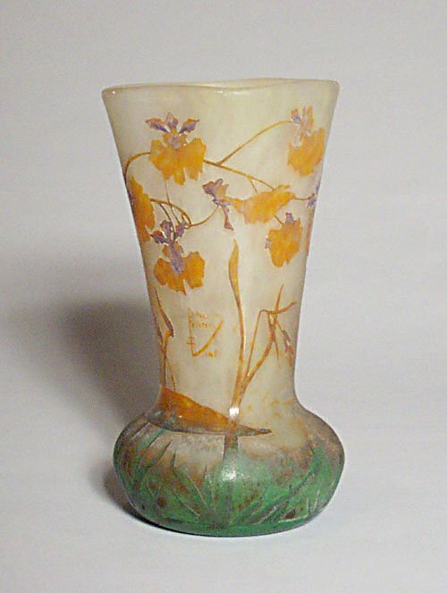 7: EXCEPTIONAL DAUM NANCY CAMEO GLASS VASE Et