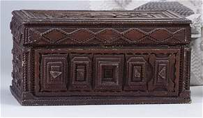 2362: PAINTED CHIP-CARVED TRAMP ART BOX WITH SINGLE