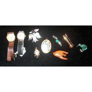 GROUP OF ASSORTED GOLD & COSTUME JEWELRY 20th c. Com