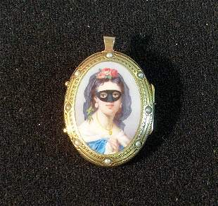 GOLD PORTRAIT LOCKET 19th / 20th c. Fitted as a pin,