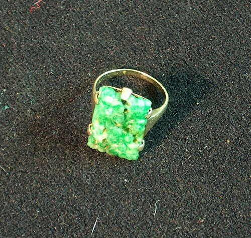 13: 14K YELLOW GOLD & CARVED JADE RING 20th c. With rec