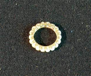 YELLOW GOLD AND PEARL ETERNITY BAND 20th c. Channel