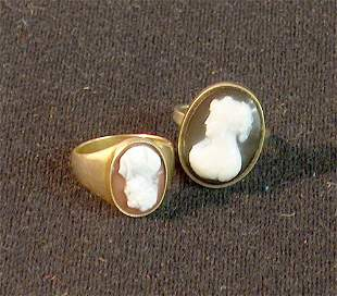 TWO LADY'S GOLD CAMEO RINGS 19th / 20th c. With ova