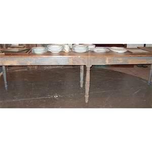 381: LONG PINE TABLE 19th c. The rectangular pine top r