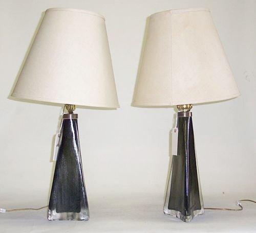 3006: PAIR OF ORREFORS TABLE LAMPS Blown glass; each en