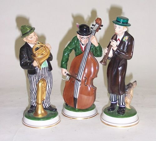 3021: ROSENTHAL TRIO OF MUSICIANS Painted and glazed po