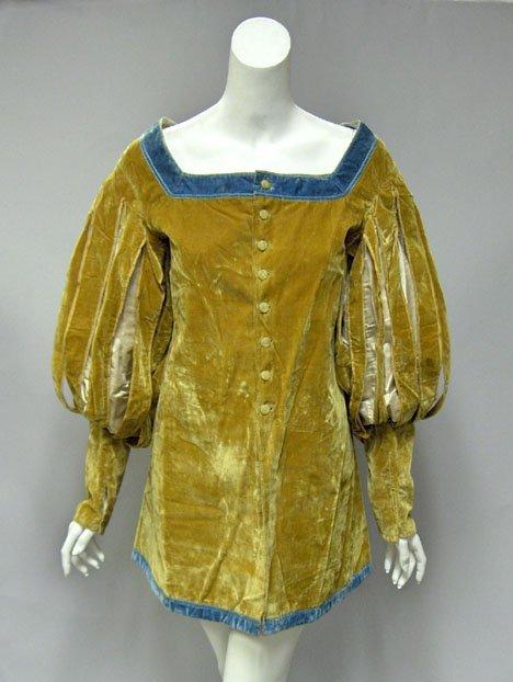 11003: Elizabethan style velvet tunic with Tudor sleeve