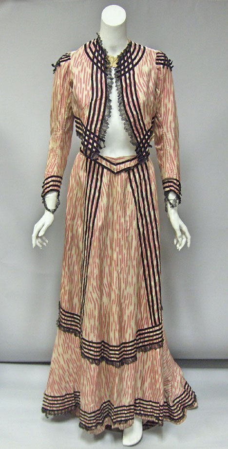 11006: Victorian pink and white printed silk velvet-tri