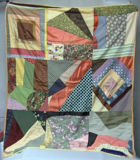 11014: Mixed lot of vintage textiles, scarves and trimm