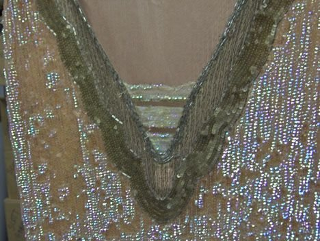 11019A: Beaded flapper dress, 1920s, In iridescent pink - 3
