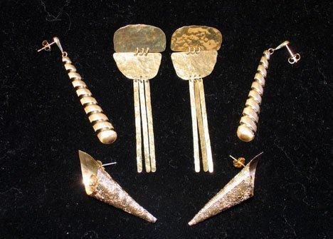 21613: Three pairs 14 karat yellow gold earrings, , One