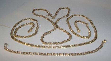 1014: 14K YELLOW GOLD MATCHING NECKLACES & BRACELET Hoo