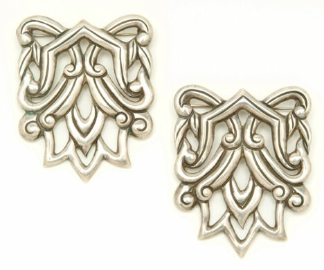 3002: PAIR OF LOS CASTILLO STERLING PINS 20th c. Stampe