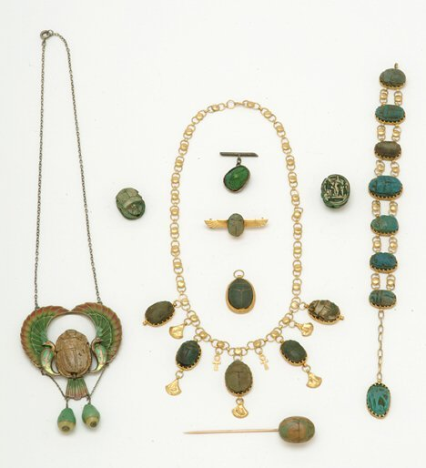 3011: ASSORTED EGYPTIAN GOLD & SILVER JEWELRY 20th c. C