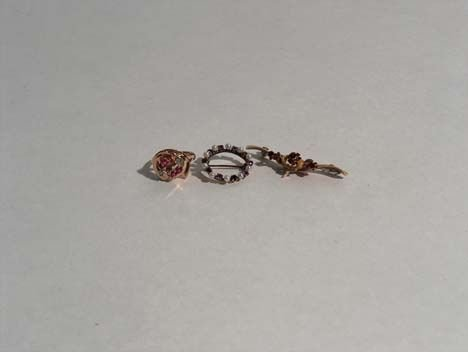 3020: LADY'S ROSE GOLD RING & TWO PINS Deco-design rose