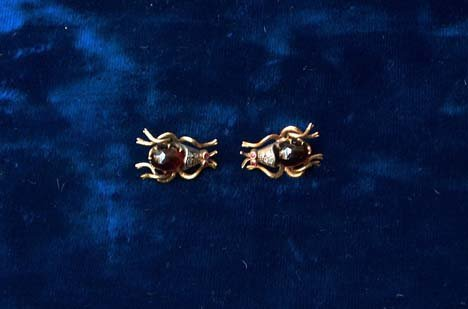 3021A: PAIR YELLOW GOLD 'BUG' EARRINGS 20th c. For pier