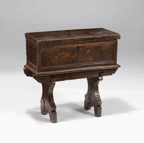 2007: Small Italian walnut cassone on stand, late 16th