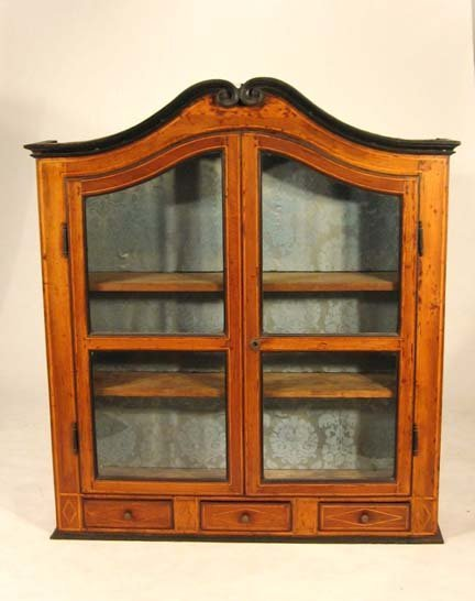 2016A: French walnut and inlaid bookcase top, 18th cent
