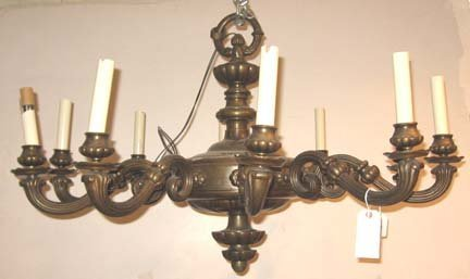 2583: Continental gilt metal 10-light chandelier, 18th