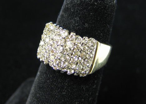 1003: 10K Yellow Gold and Diamond Cluster Ring, , Havin