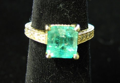 1011: 14K Yellow Gold, Emerald and Diamond Ring, , Havi