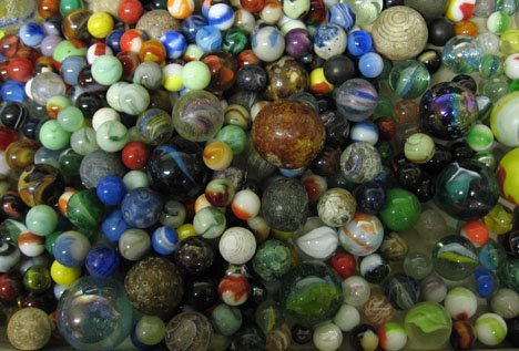1231: Large group of glass marbles, , Most pieces made