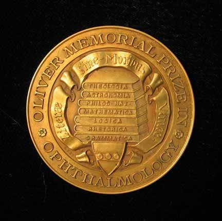 1021: Yellow gold medal, , Oliver Memorial Prize in Opt