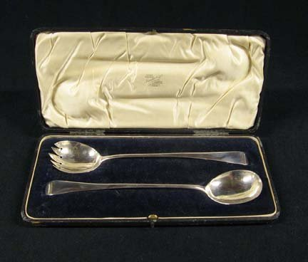 3014: Assembled cased set of George III sterling silver
