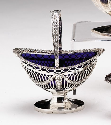 3024: George III sterling silver sugar basket, possibly
