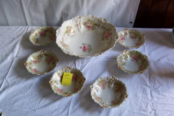 24: Berry Set, Germany Bowl & 6 Sauces, Decorated With