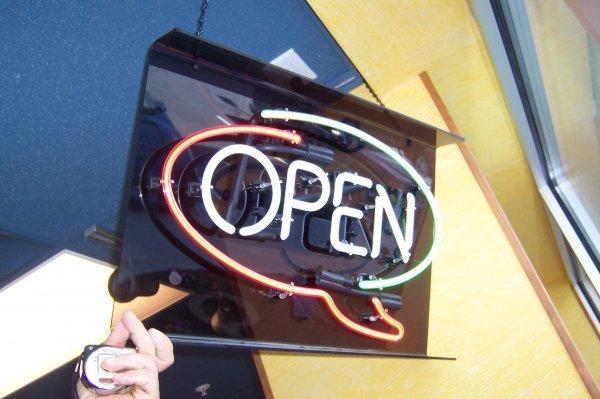 106: Open Sign Neon