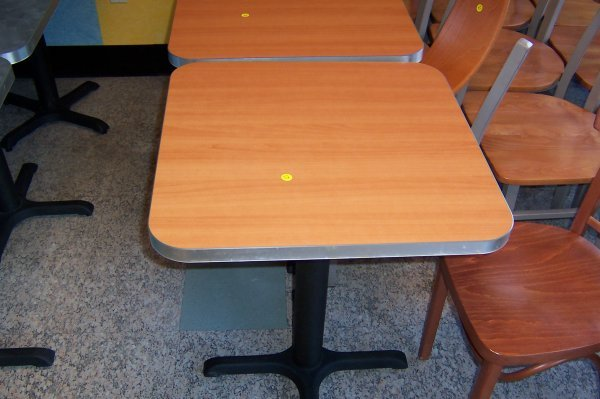 124: 2'x2' Table, Brown