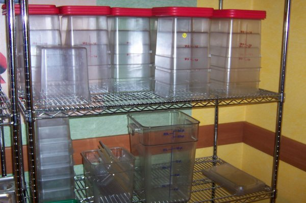 168: (30) Assorted Containers