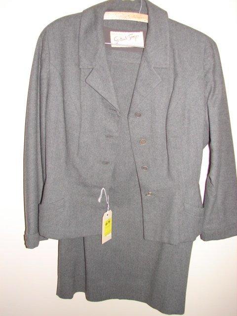 614: Suit by Gertrude Singer, Forstmann Zelinka Matlick