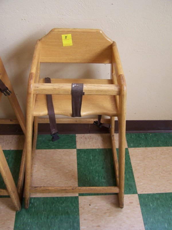1008: Oak High Chair