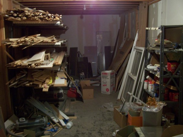 2016: Contents Of Storage Closet Wood, Misc Parts Piece