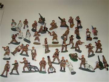 3339: 40 Assorted Toy lead soldiers, Manoil