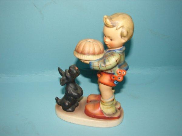 """3063: Hummel Figurine, """"BEGGING HIS SHARE, """"mold 9# , V"""
