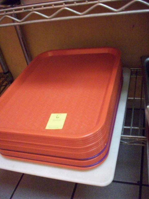 6: Dine In Trays, Plastic Red (Aprox 19) & Plastic Cutt