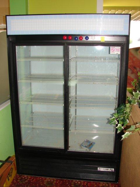 514: Beverage Air 2 door glass door merchandiser slidin