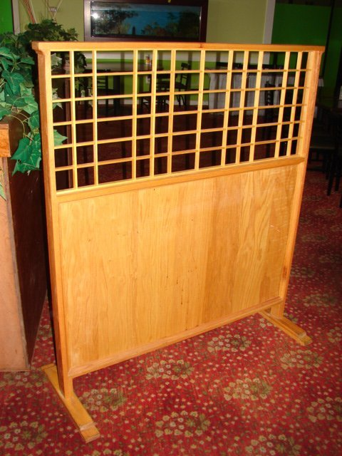 518: Table Divider, oak with lattice windows