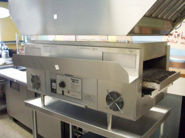 1052: Holman Model QT-14 conveyor toaster oven 208 volt