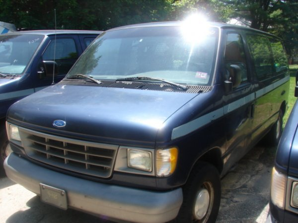 917: 1995 Ford E150 Full Size Cargo Van with dents & pa